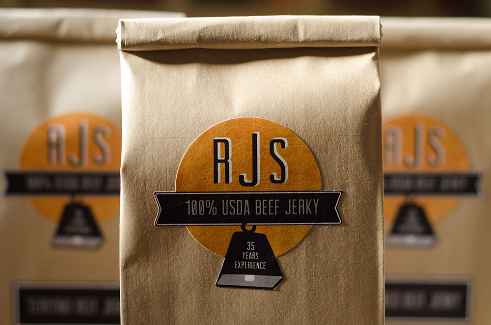 Simple and Tempting Packaging for RJS Jerky